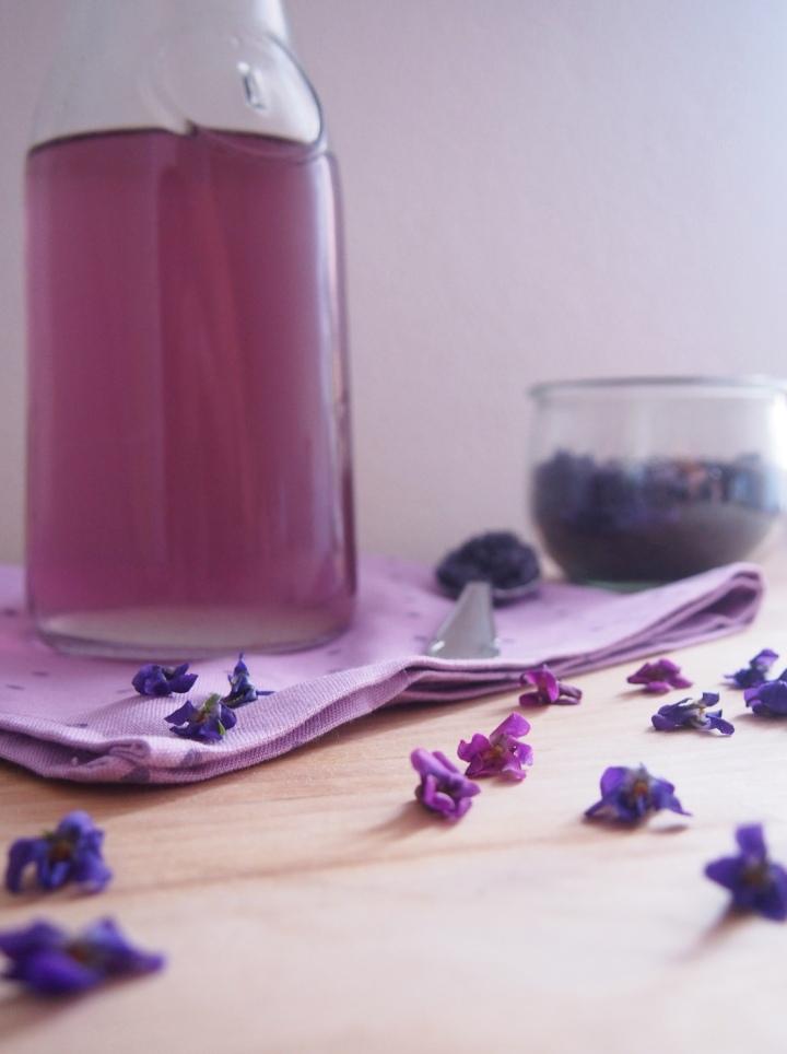 Domácí fialkový sirup