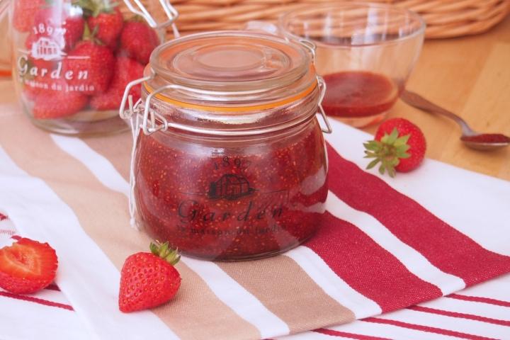 Jahodová marmeláda s chia semínky