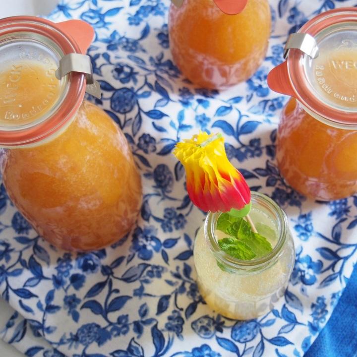 Domácí sirup na broskvovou limonádu