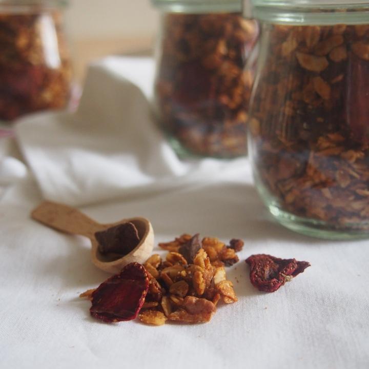 Ořechová granola s čokoládou