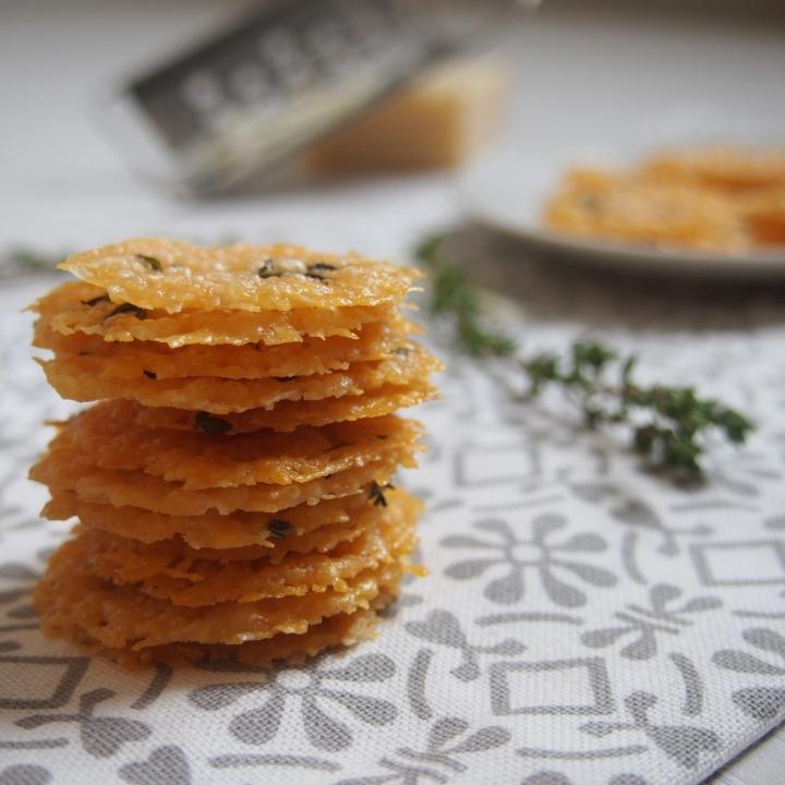 Domácí parmazánové chipsy